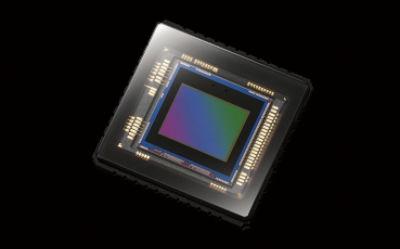 Snímač CMOS Exmor R